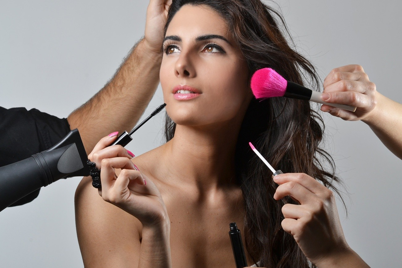 Dating makeup